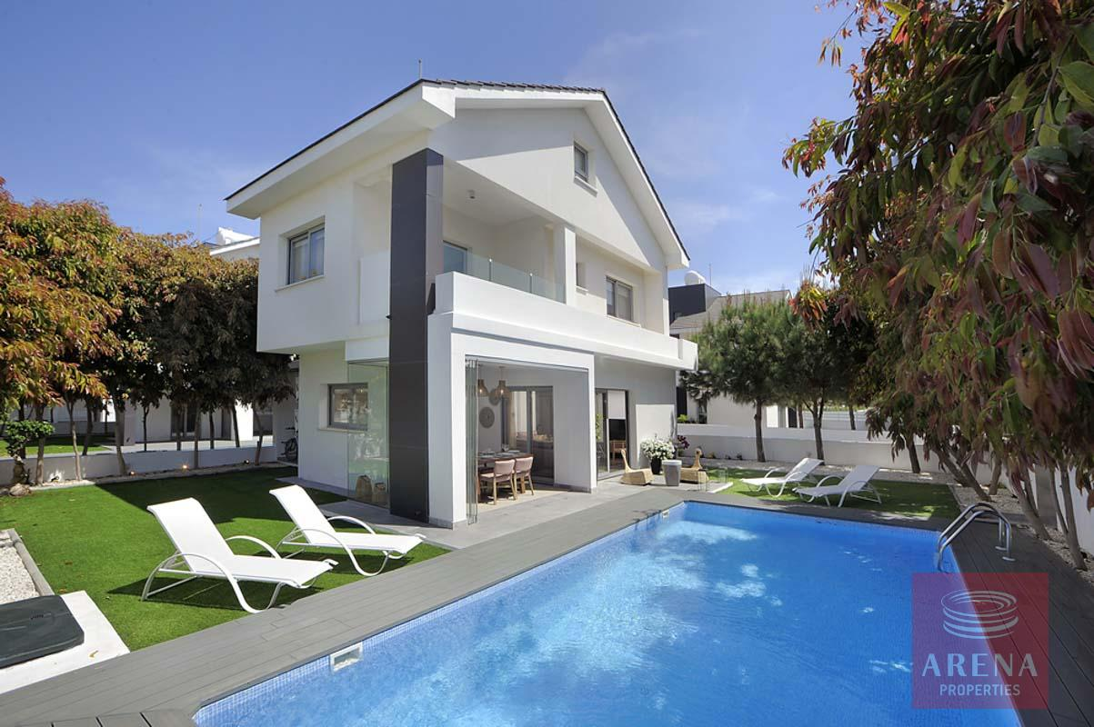 3 Bed villa in pervolia