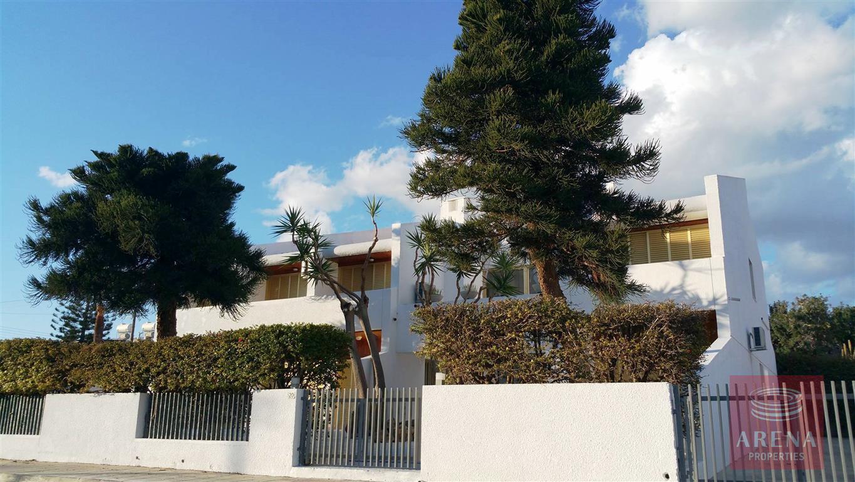 6bed villa in ayia napa