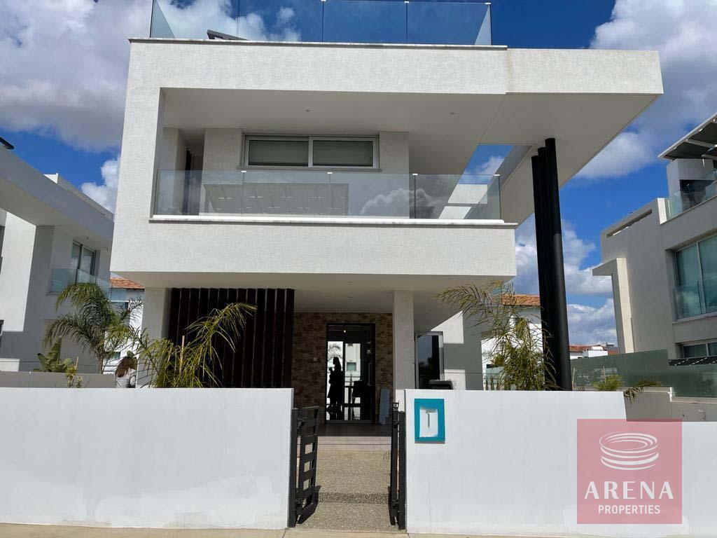 New Luxury Villa in Ayia Triada