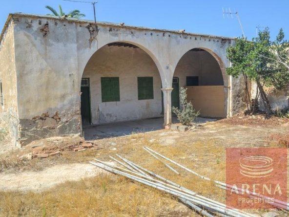 1-derynia-vintage-property-3647