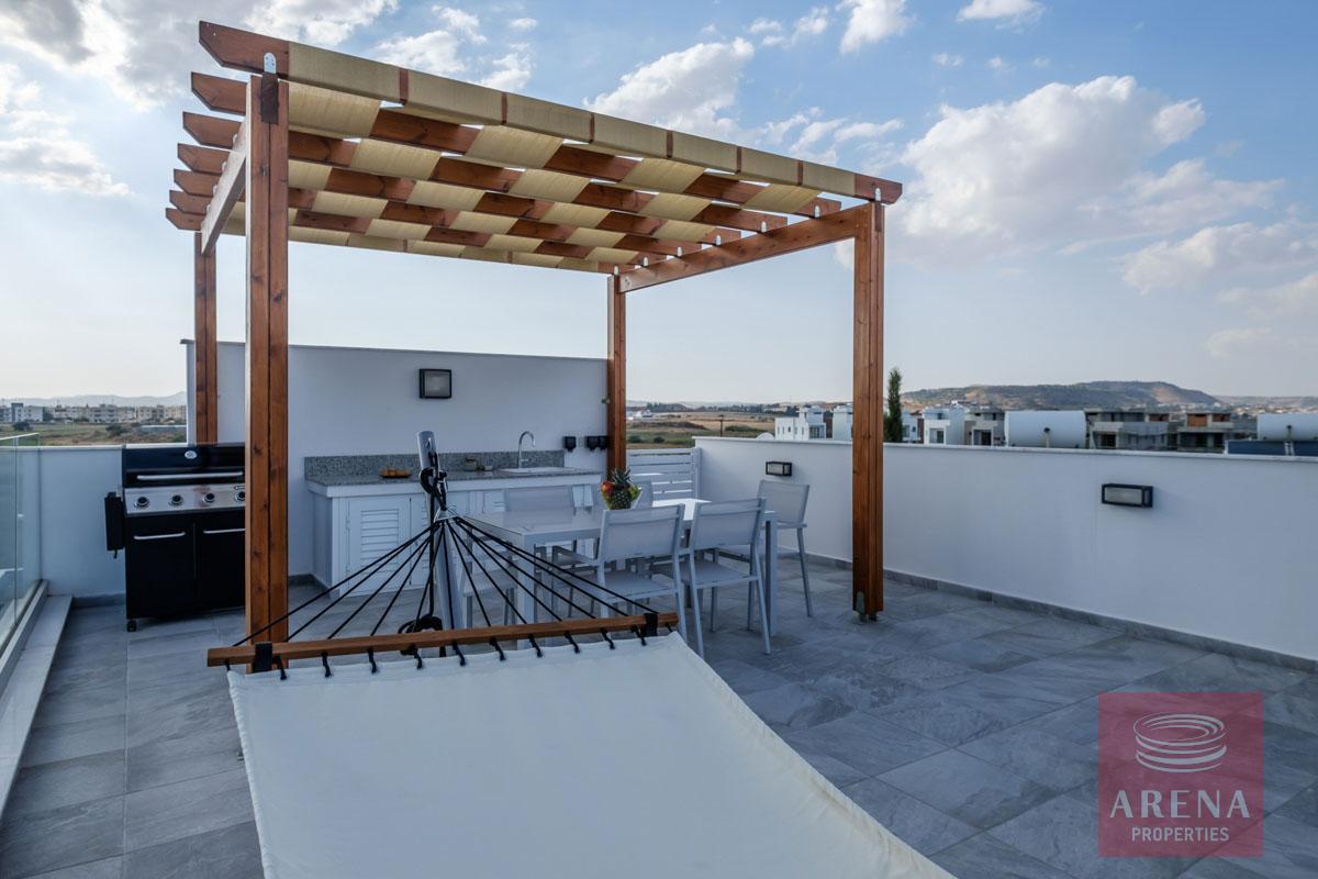 5 bed villa in dekelia - roof garden