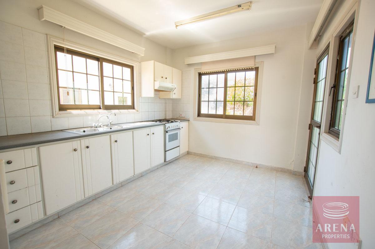 villa in ayia thekla - kitchen