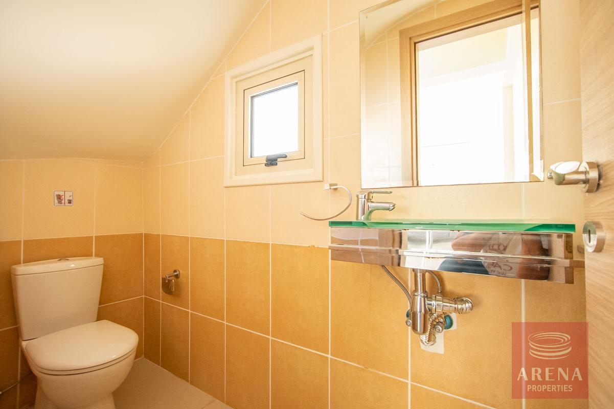 3 bed villa in pernera - guest wc