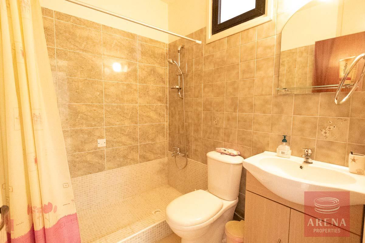 1 bed apt in Kapparis - bathroom
