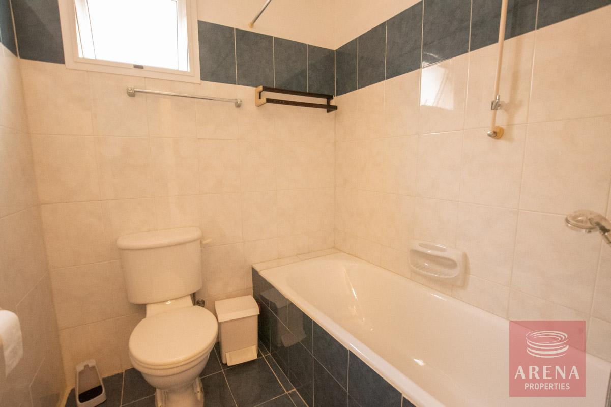 2 bed apt in kapparis for sale - bathroom