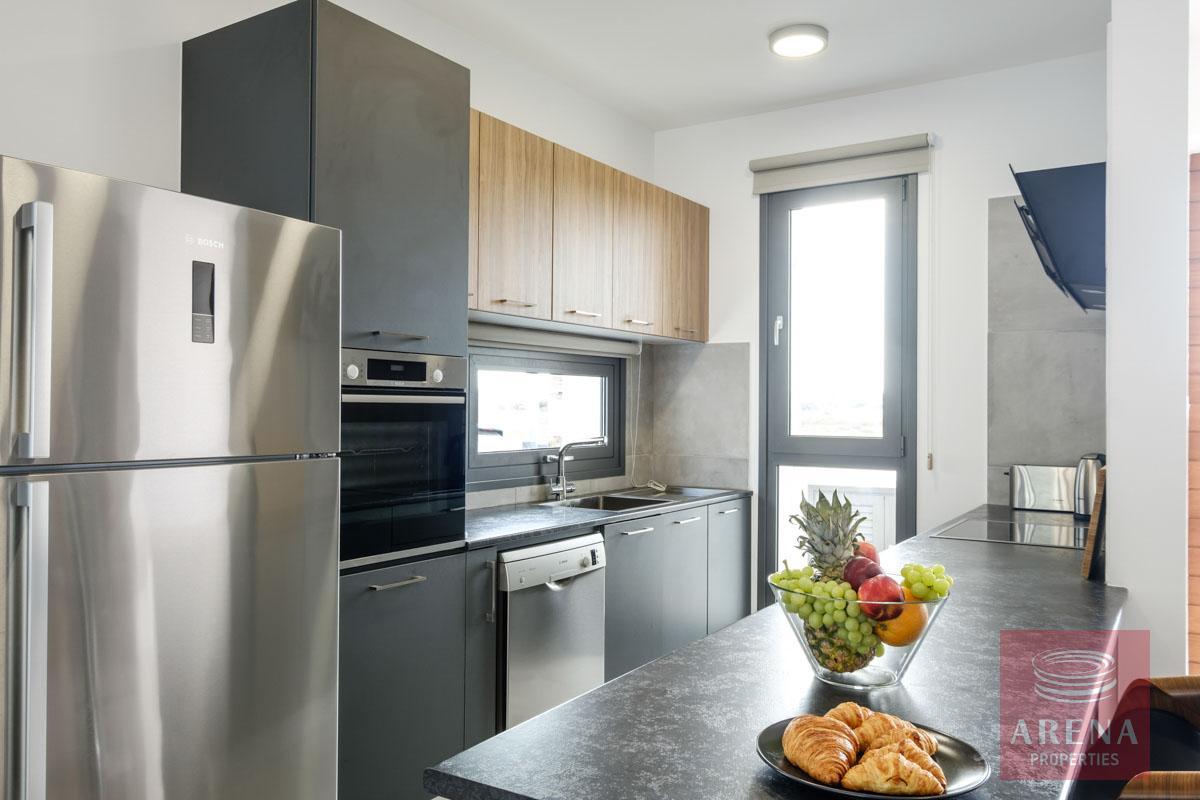 5 bed villa in dekelia - kitchen
