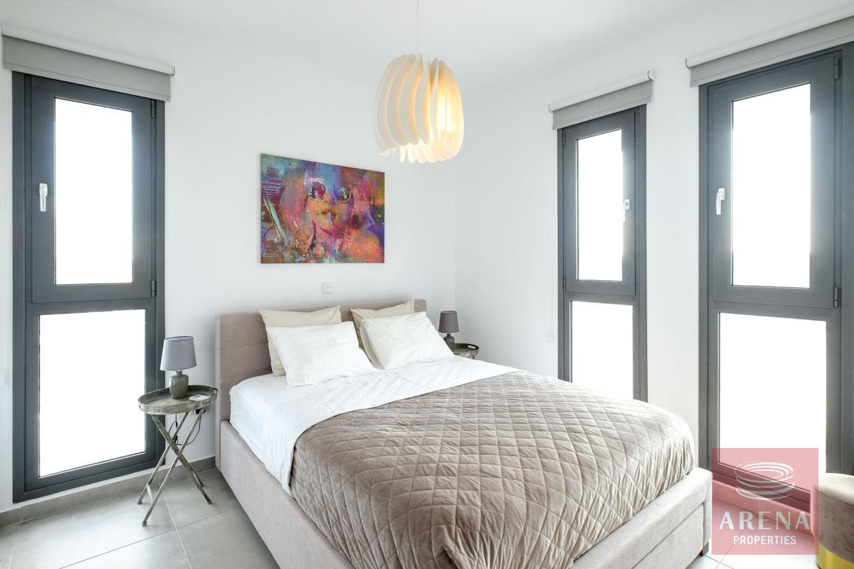 5 bed villa in dekelia - bedroom