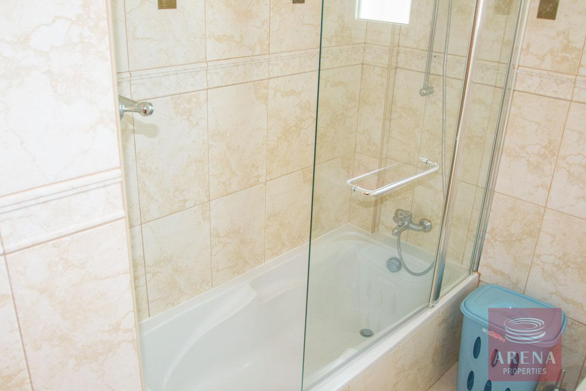Villa for rent in Protaras - bathroom