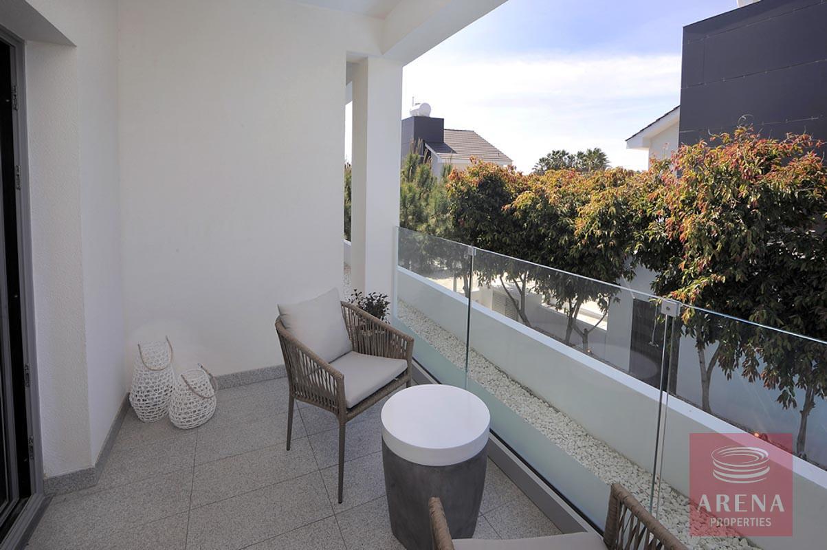 villa in pervolia - balcony