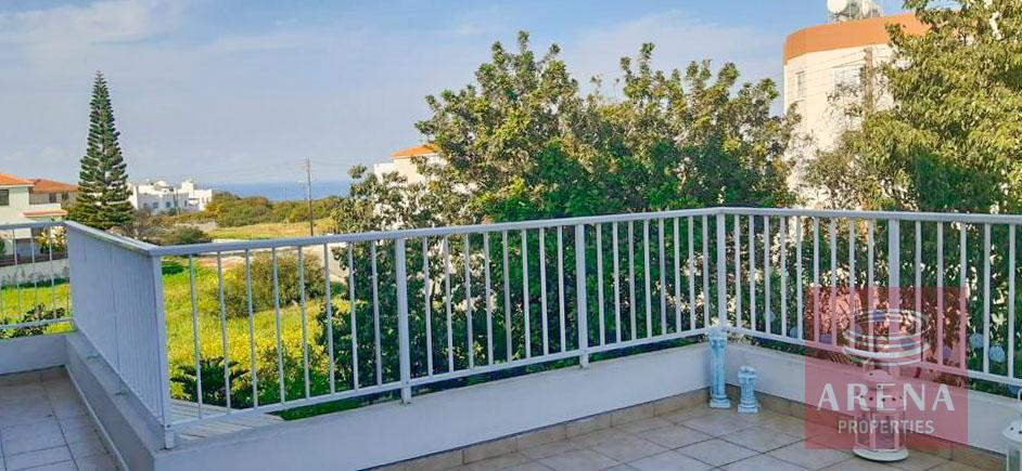apartment with large veranda for sale