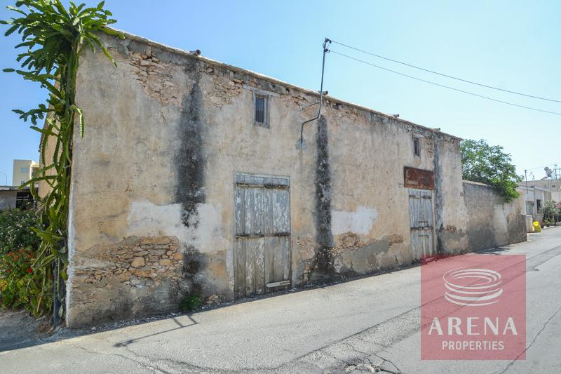 Derynia vintage property for sale