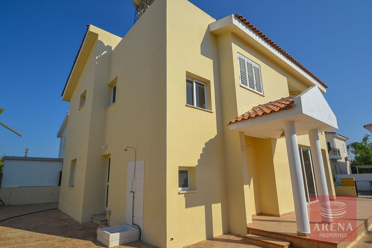 Villa in Perera for sale