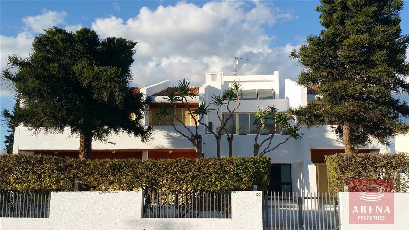 6 bed villa for sale in Ayia Napa