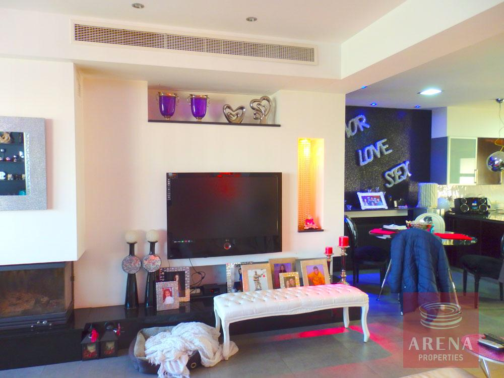 Townhouse in Latsia for Sale - Living Area