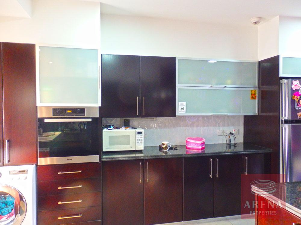 Townhouse for sale in Latsia - kitchen