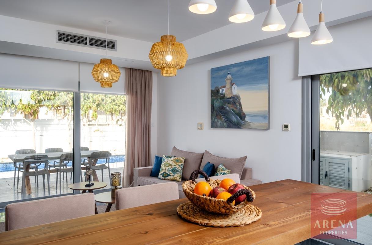villa for sale in pervolia