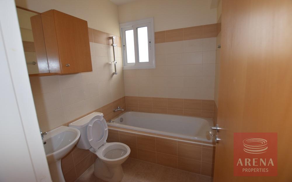 New 3 bed apt in tersefanou - bathroom