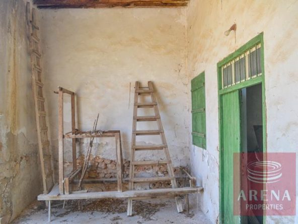 6-derynia-vintage-property-3647