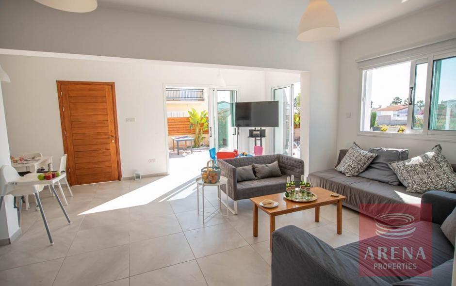 4 bed villa in ayia thekla - living-room