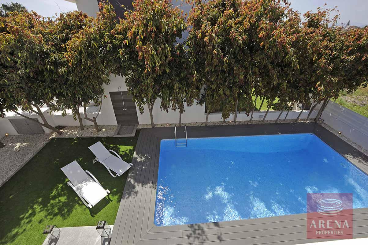 3 bed villa in pervolia - swimming pool