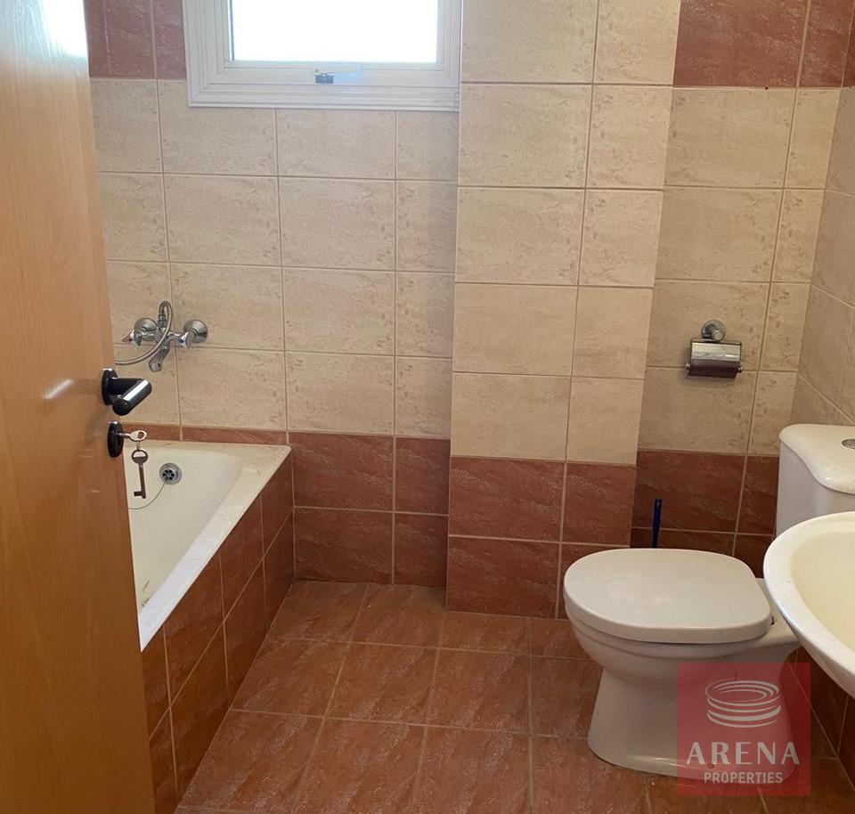 2 bed apartment in kapparis - bathroom
