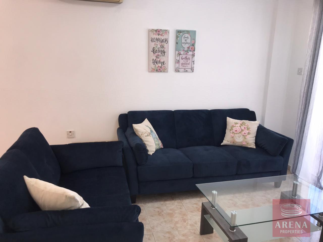 2 bes apt for rent in Makenzie