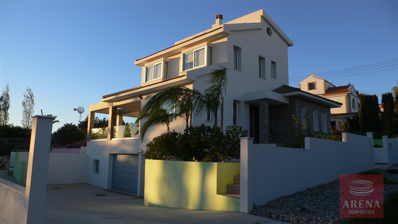 4 bed villa in kokkinos gremmos