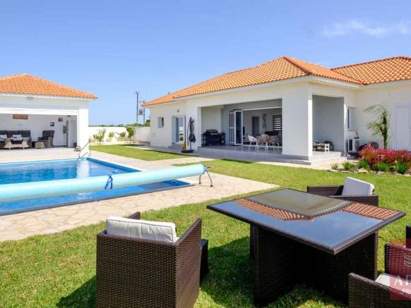 1-bungalow-vrysoulles-to-buy