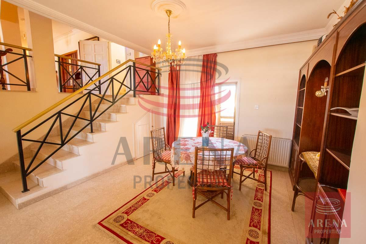 3 bed apt in Paralimni for rent - dining area