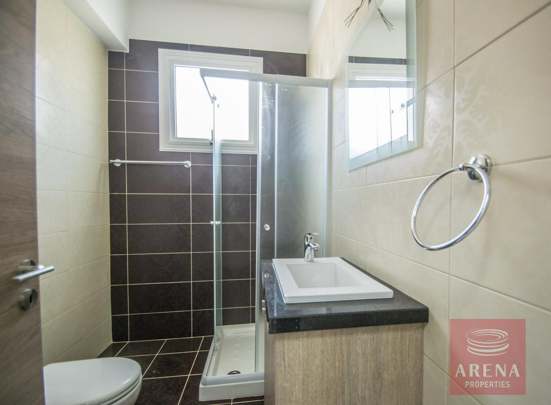 semi-detached house in kapparis bathroom