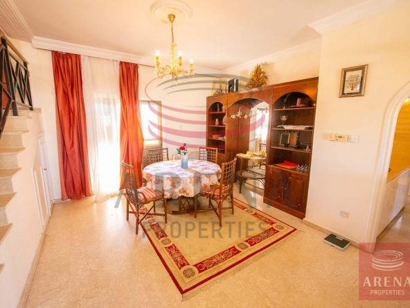 11-3-bed-apt-for-rent-in-paralimni-5671