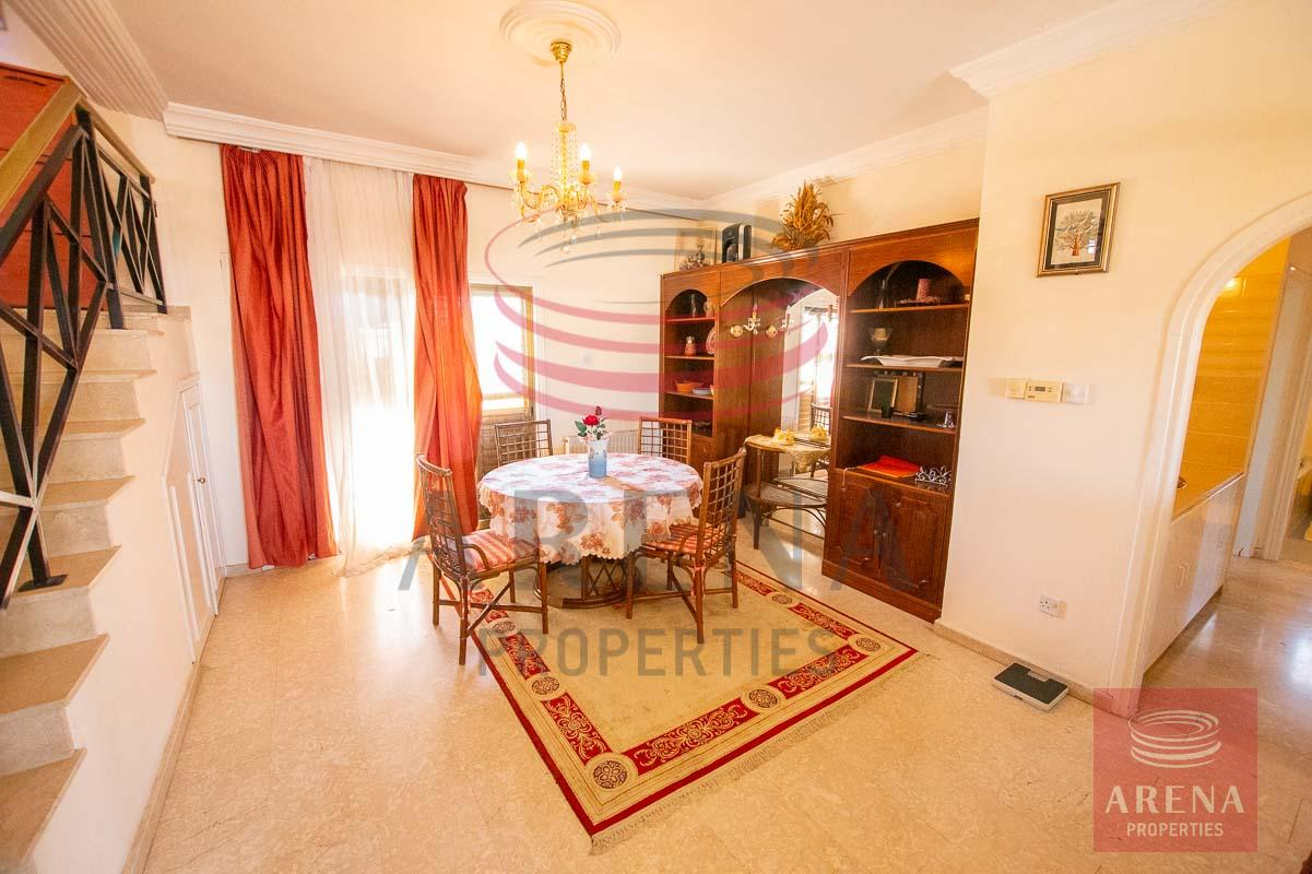 3 bed apt in Paralimni - dining area