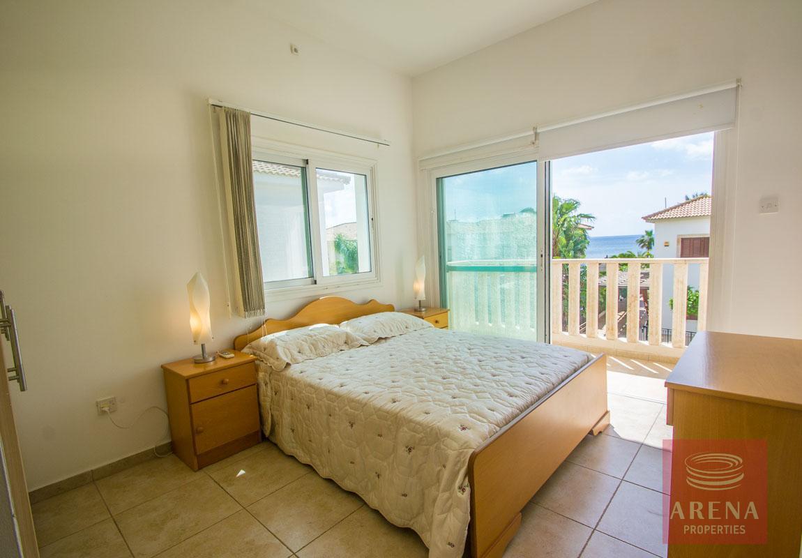 4 bed villa in ayia thekla - bedroom