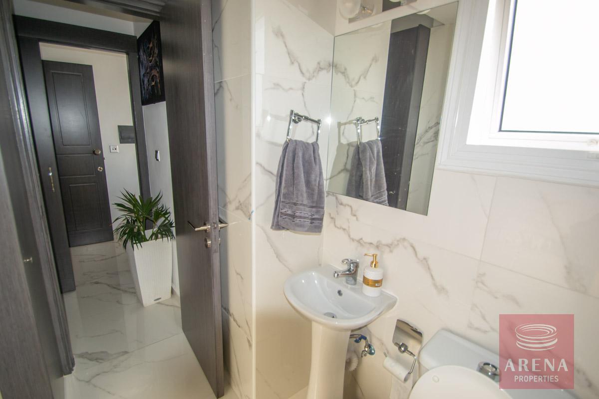 apartment in Kapparis - bathroom