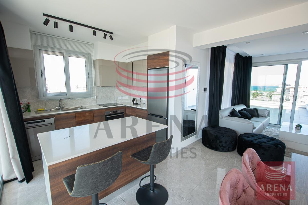 Penthouse for rent in Makenzie - kitchen