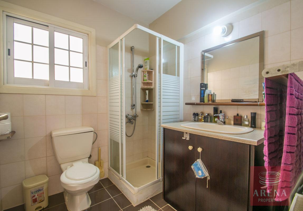 4 Bed townhouse in Paralimni - bathroom