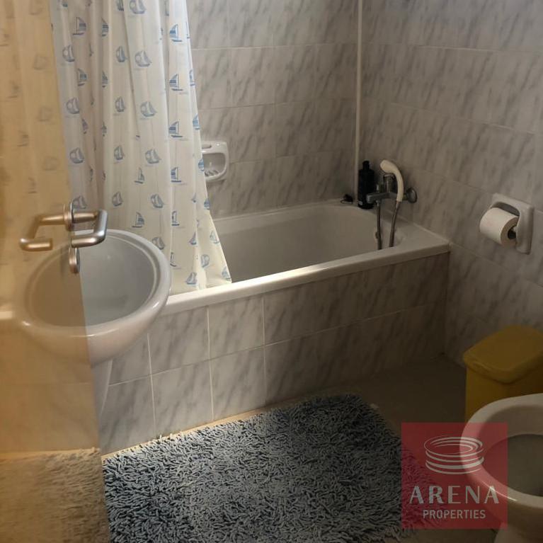 2 bed villa in pervolia - bathroom