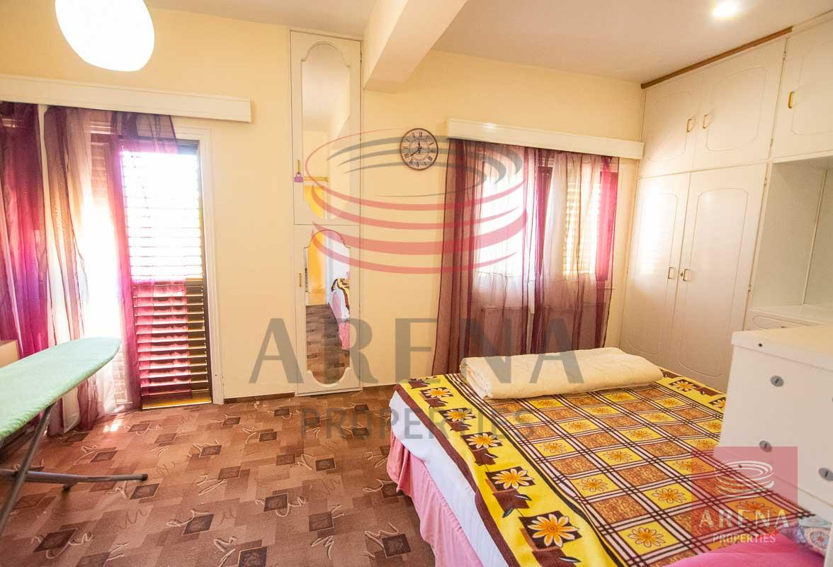 apt in Paralimni for rent