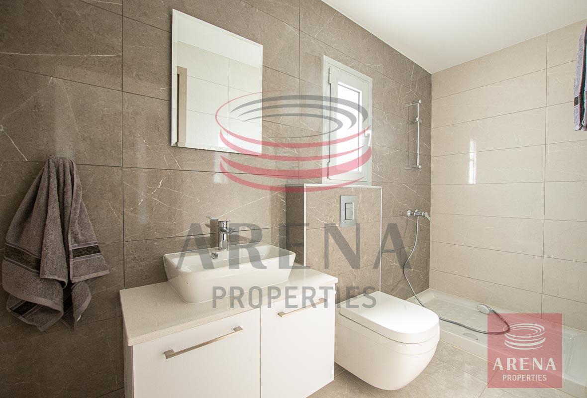 Penthouse for rent in Makenzie - en-suite