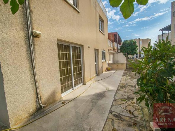 17-4-Bed-Townhouse-in-Paralimni-4108