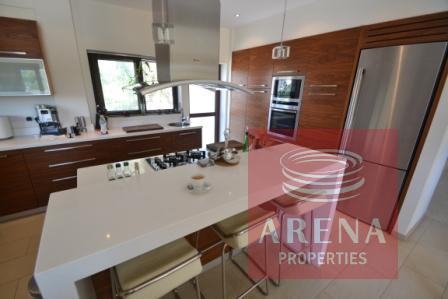 5 bed villa in pernera - kitchen