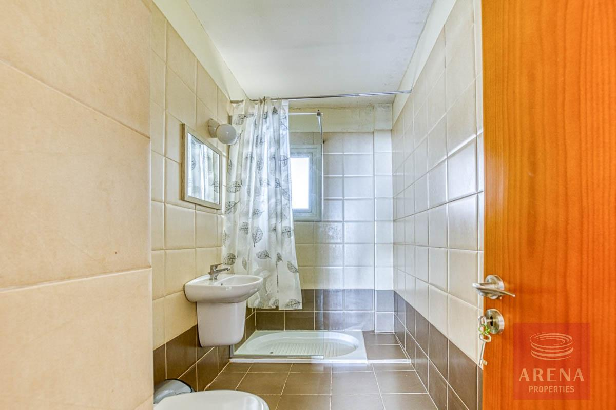 studio in paralimni - bathroom