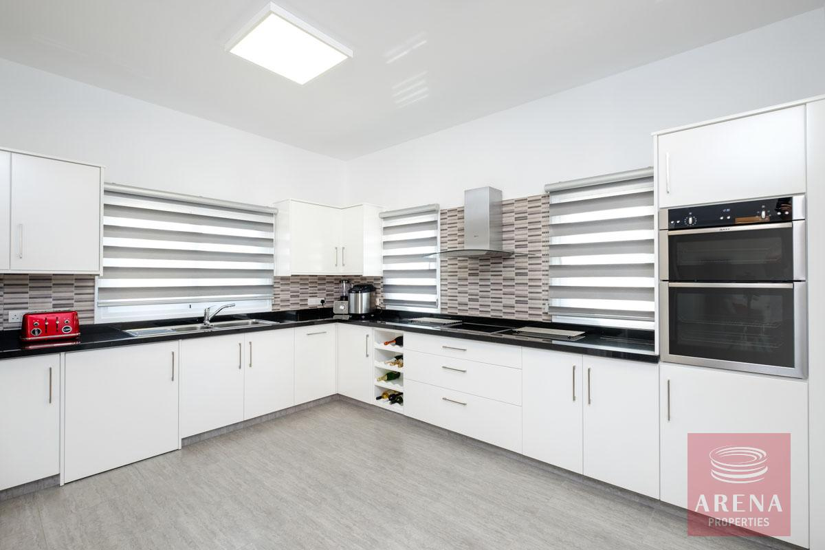bungalow in vrysoulles for sale - kitchen