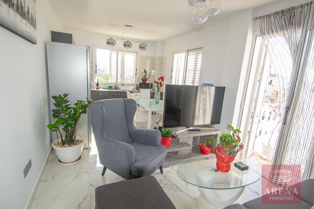 Apartment with large veranda - living -room