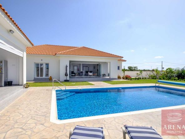 2-bungalow-vrysoulles-to-buy