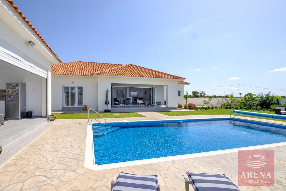 bungalow in vrysoulles - pool