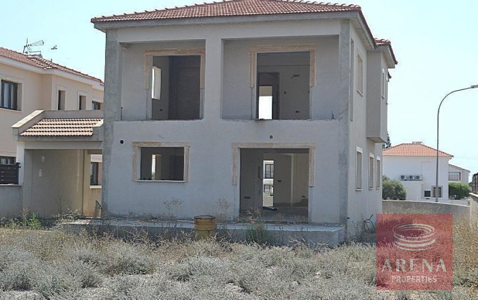 4 bed villa in pyla to buy