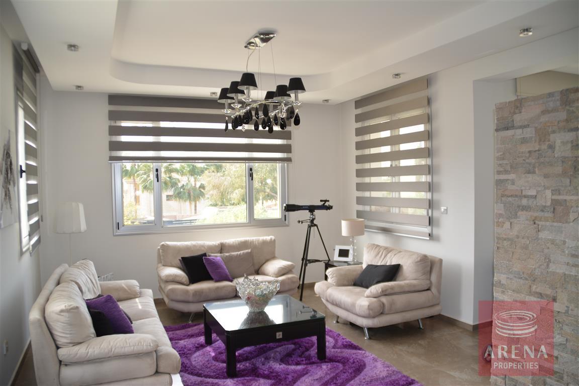 4 bed villa in kokkinos gremmos - living room