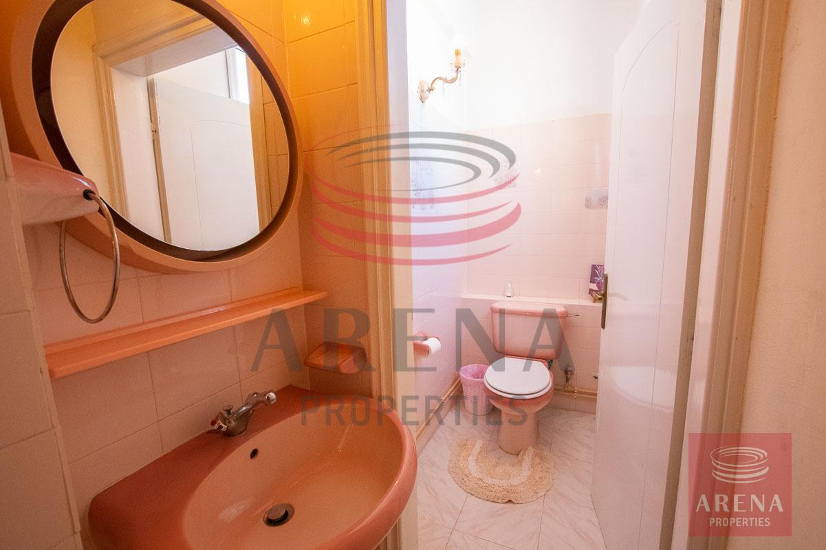 apt in Paralimni - bathroom