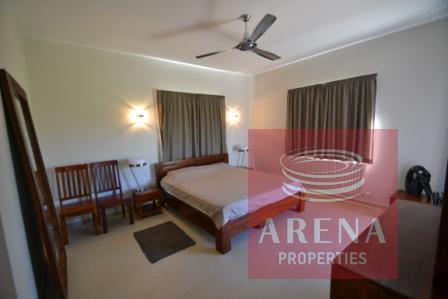 5 bed villa in pernera for sale - bedroom